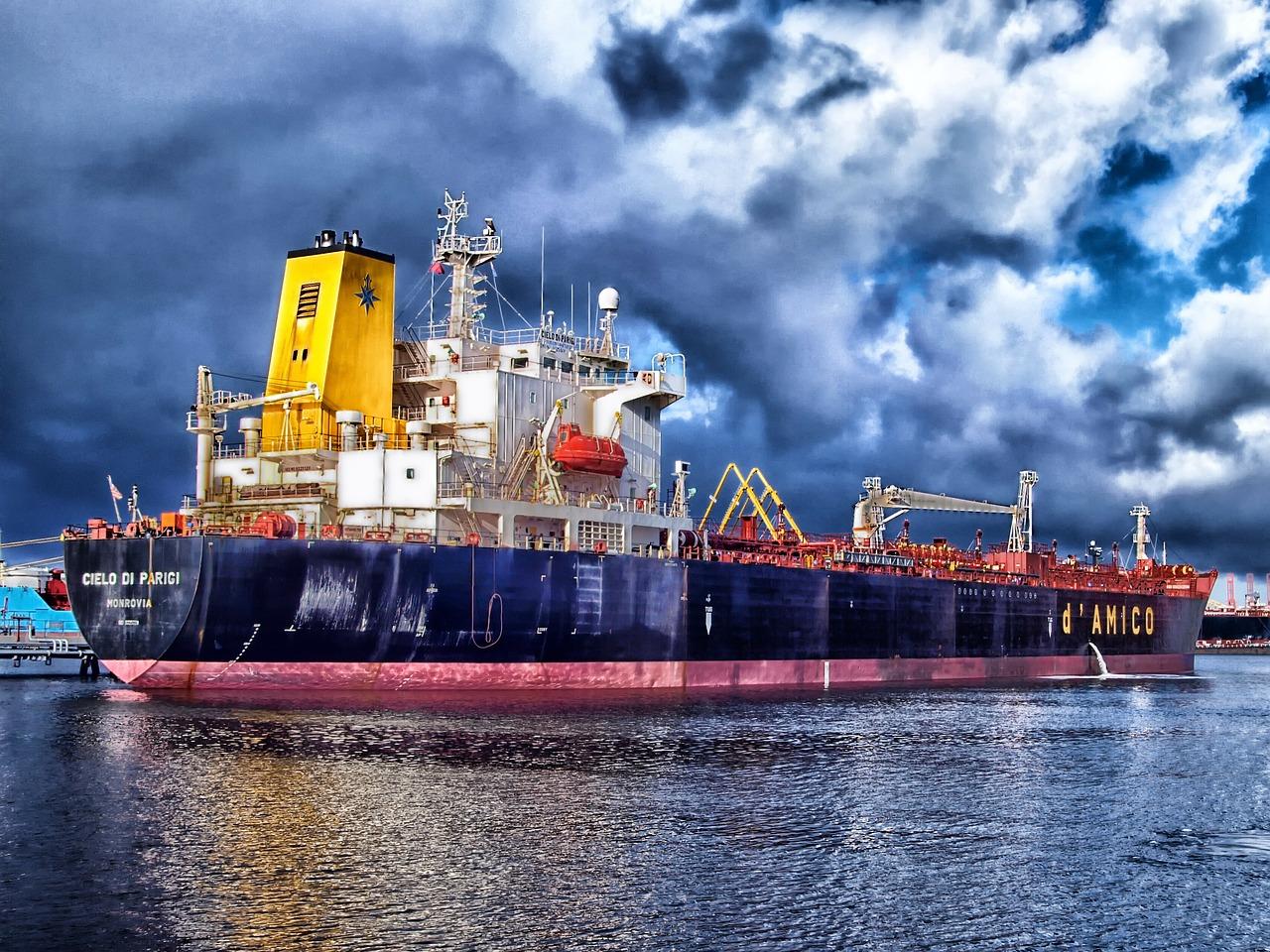 El transporte marítimo: tipos de barcos que van a Canarias