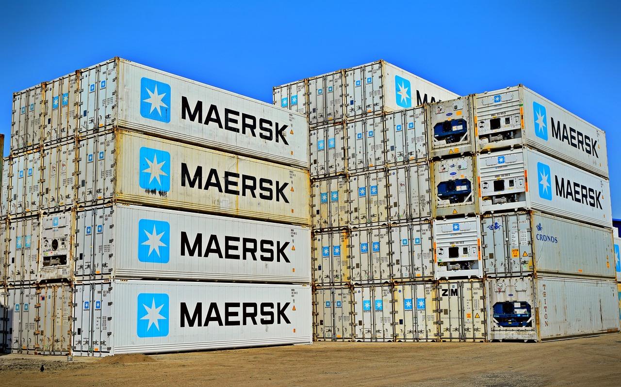 Transporte de prenda colgada a Canarias y Baleares