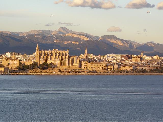 Importación en Baleares - Transporte Canarias Baleares